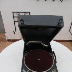 Gramófonos y gramolas: GRAMOFONO ANTIGUO DE MALETA COLUMBIA VIVA-TONAL GRAFONOLA Nº 109 A MADE IN ENGLAND. Lote 84548760