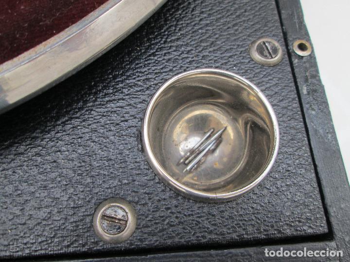 Gramófonos y gramolas: Gramofono antiguo de maleta Columbia viva-tonal grafonola Nº 109 A Made in England - Foto 6 - 84548760