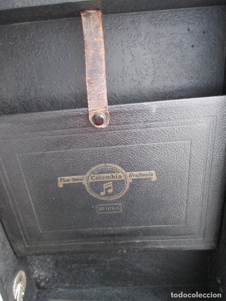 Gramófonos y gramolas: Gramofono antiguo de maleta Columbia viva-tonal grafonola Nº 109 A Made in England - Foto 12 - 84548760