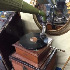 Gramófonos y gramolas: GRAMOFONO ORIGINAL MARCA PATHE DE TROMPETA GRAN TAMAÑO. Lote 94793263