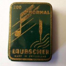 Gramófonos y gramolas: ANTIGUA CAJITA HOJA LATA AGUJAS GRAMOFONO O GRAMOLA ''LAUBSCHER'' MADE IN SWITZERLAND. Lote 95813595
