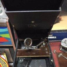 Gramófonos y gramolas: GRAMOFONO LA VOZ DE SU AMO PARA PIEZAS. Lote 96031135