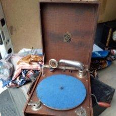 Gramófonos y gramolas: ANTIGUA GRAMOLA DE MANIVELA. Lote 100517767