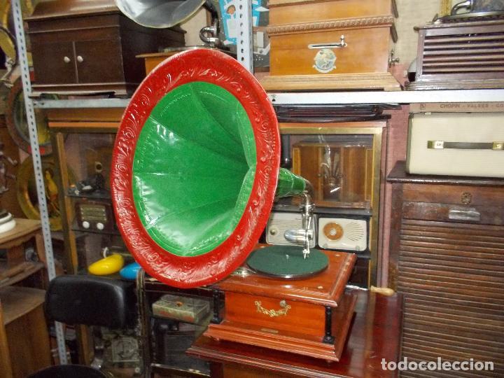 GRAMOFONO FUNCIONANDO (Radios, Gramófonos, Grabadoras y Otros - Gramófonos y Gramolas)