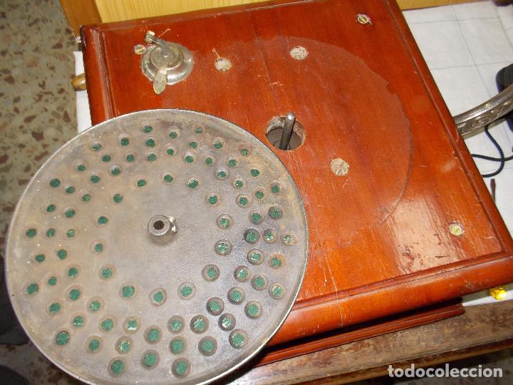 Gramófonos y gramolas: Gramofono funcionando - Foto 2 - 101381979