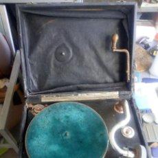 Gramófonos y gramolas: GRAMOFONO PARA RENOVACION. Lote 103659611