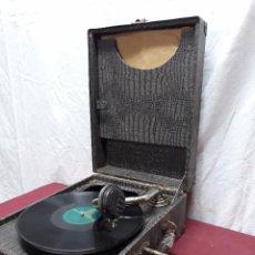 Gramófonos y gramolas: GRAMOLA DE MALETA.... PPIOS XX . Lote 103996655