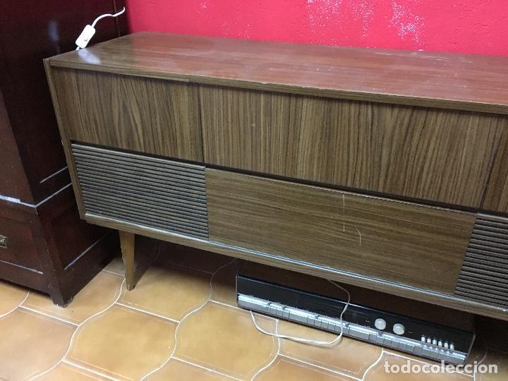Gramófonos y gramolas: MUEBLE ESTILO NORUEGO ESCANDINAVO RADIO TOCADISCO GRUNDIG - FUNCIONANDO - Foto 4 - 107733143