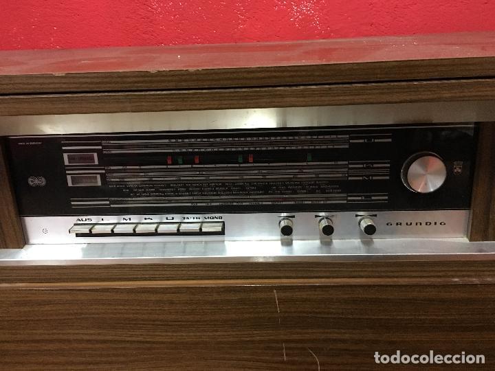 Gramófonos y gramolas: MUEBLE ESTILO NORUEGO ESCANDINAVO RADIO TOCADISCO GRUNDIG - FUNCIONANDO - Foto 7 - 107733143
