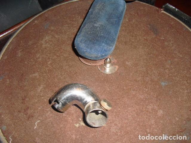 Gramófonos y gramolas: MALETA GRAMOLA,EN USO,EXTERIOR MALETA CON FALTAS,VER IMAGENES - Foto 3 - 108081495