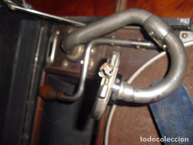 Gramófonos y gramolas: MALETA GRAMOLA,EN USO,EXTERIOR MALETA CON FALTAS,VER IMAGENES - Foto 4 - 108081495