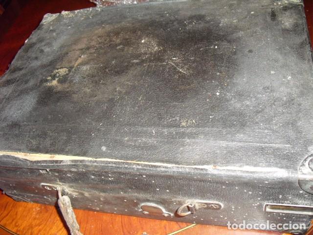 Gramófonos y gramolas: MALETA GRAMOLA,EN USO,EXTERIOR MALETA CON FALTAS,VER IMAGENES - Foto 16 - 108081495