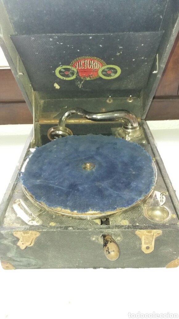 GRAMOFONO PORTATIL VICTORIA CON MECANISMO THORENS (Radios, Gramófonos, Grabadoras y Otros - Gramófonos y Gramolas)