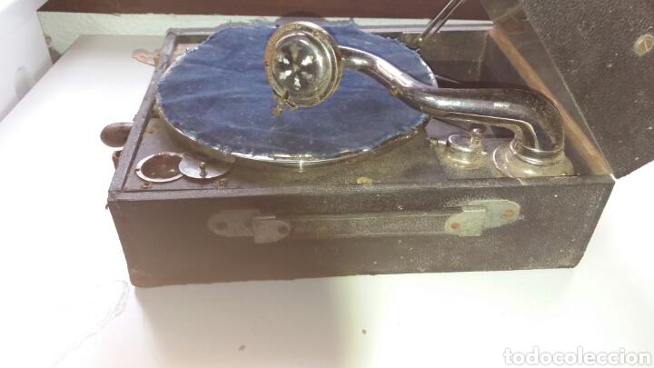 Gramófonos y gramolas: Gramofono portatil VICTORIA con mecanismo thorens - Foto 2 - 108300006