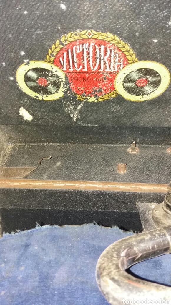Gramófonos y gramolas: Gramofono portatil VICTORIA con mecanismo thorens - Foto 5 - 108300006
