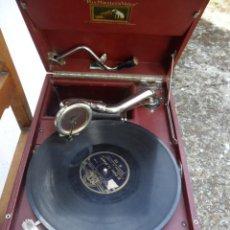 Gramófonos y gramolas: GRAMOLA DE LA CASA LA VOZ DE SU AMO CON DISCO DE PIZARRA ANTIGUA - FUNCIONANDO. Lote 110303559