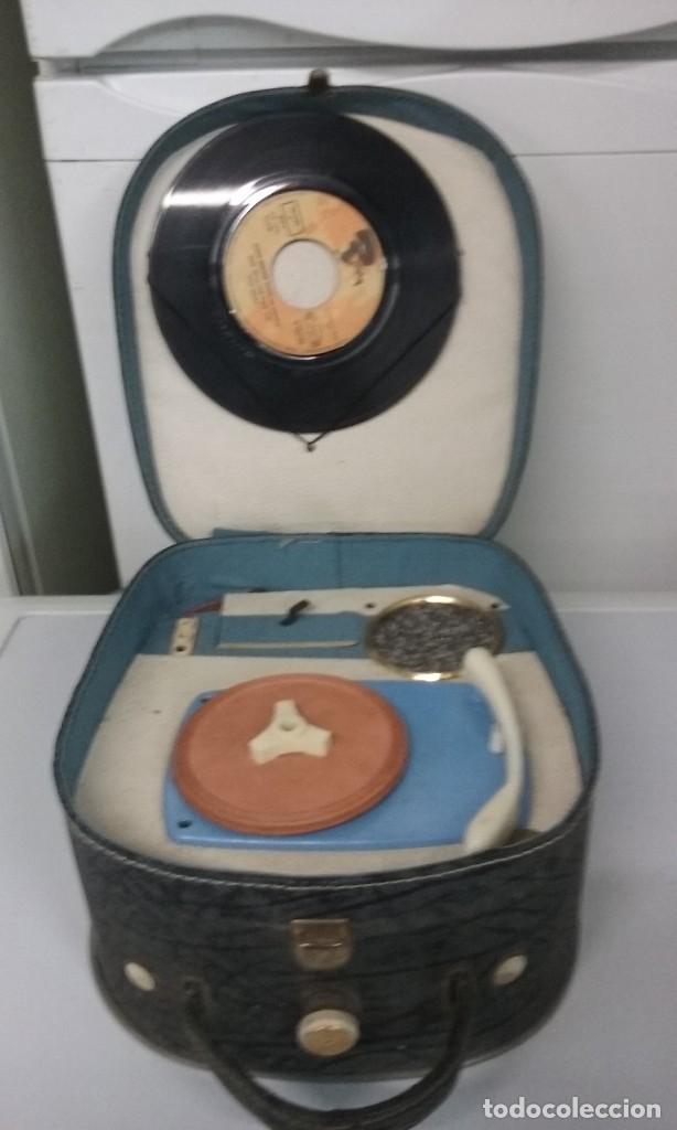 TOCADISCOS PORTATIL (Radios, Gramófonos, Grabadoras y Otros - Gramófonos y Gramolas)