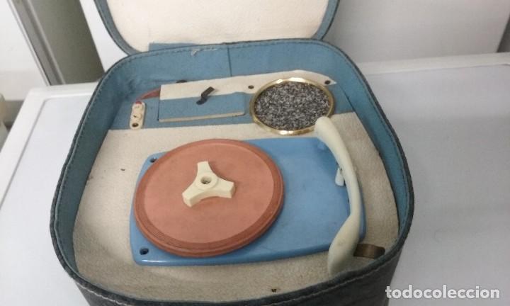 Gramófonos y gramolas: tocadiscos portatil - Foto 2 - 110563227