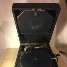 Gramófonos y gramolas: ANTIGUA MALETA GRAMOLA GRAMOFONO ORIGINAL MARCA PAILLARD, AÑOS 30/40 FUNCIONA. Lote 112178199