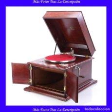 Gramófonos y gramolas: ANTIGUO GRAMÓFONO DE SOBREMESA ESPAÑOL SERRANO Y ARPÍ ESPAÑA, CIRCA 1930. Lote 115068507