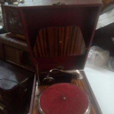 Gramófonos y gramolas: ESPECTACULAR GRAMOLA DE MANIVELA SIGLO XLX. Lote 115521915