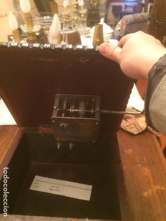 Gramófonos y gramolas: Antiguo gramofono la voz de su amo con trompeta de latón y caja color caoba principios de siglo - Foto 21 - 116097667