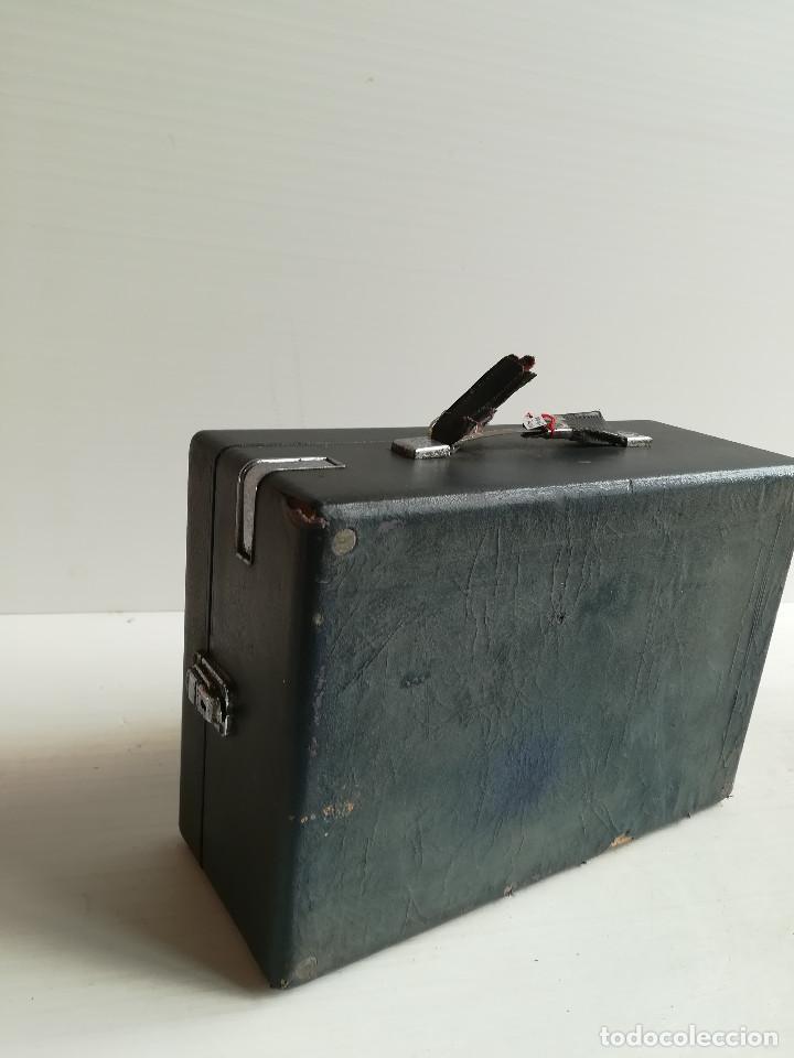 Gramófonos y gramolas: TOCADISCOS -DECA- DE MALETA, CERCA DE 1.930 - Foto 3 - 116443795