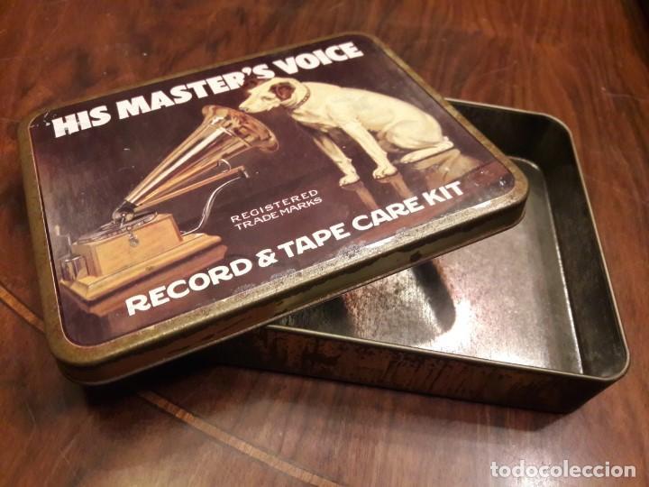 ANTIGUA CAJA METÁLICA HIS MASTERS VOICE. LA VOZ DE SU AMO. GRAMÓFONO. MADE IN ENGLAND (Radios, Gramófonos, Grabadoras y Otros - Gramófonos y Gramolas)