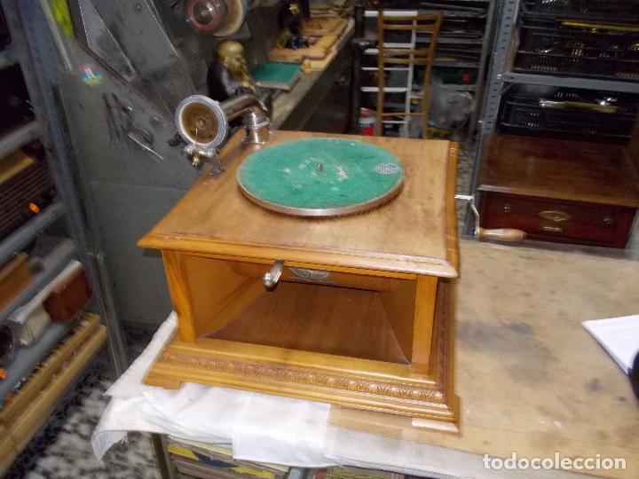 Gramófonos y gramolas: Gramofono Pathephone Nº 30 funcionando - Foto 2 - 121064775