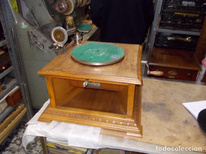 Gramófonos y gramolas: Gramofono Pathephone Nº 30 funcionando - Foto 25 - 121064775
