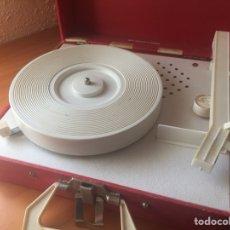 Gramófonos y gramolas: TOCADISCOS VANITY FAIR AÑOS 50 - OBJETO DECORACIÓN. Lote 121326682