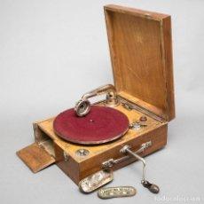 Gramófonos y gramolas: GRAMOLA. Lote 121908207