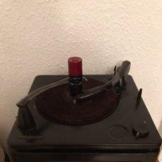 Gramófonos y gramolas: ANTIGUA VITROLA RCA VICTOR. Lote 122626983