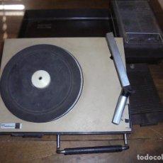 Gramófonos y gramolas: ANTIGUO TOCADISCOS RADIOLA. RED-PILAS RA 8110 T. TRAE CABLE PARA PONER EN LA RED. 40 X 21 X 8 CM. Lote 125326391