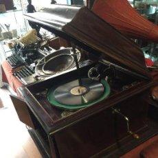 Gramófonos y gramolas: GRAMOFONO DE SALON AÑOS 30. Lote 125422603