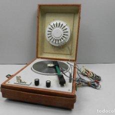 Gramófonos y gramolas: ANTIGUO GRAMÓFONO TOCADISCOS PORTÁTIL VINTAGE AÑOS 70-80. Lote 127891979