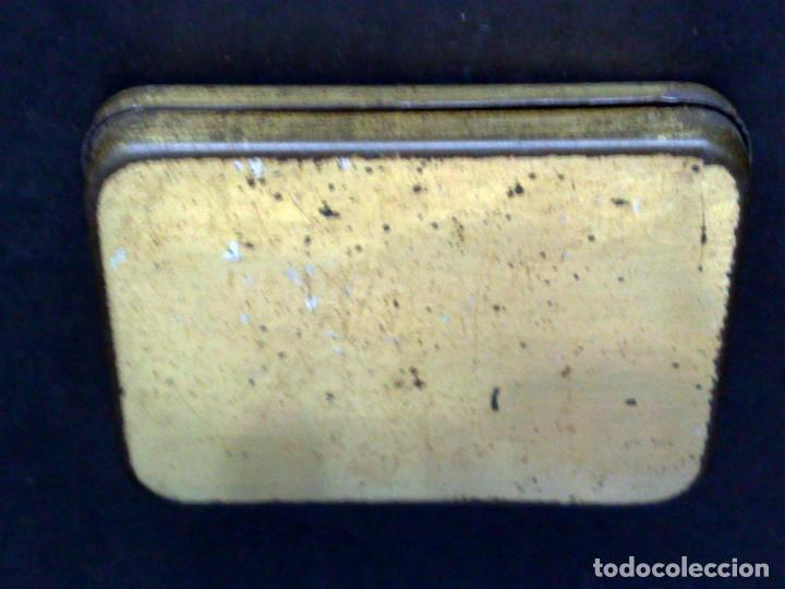 Gramófonos y gramolas: CAJITA METALICA LITOGRAFIADO DE AGUJAS,MARCA ODEON (4,7CM. X 3,2CM.) DESCRIPCIÓN - Foto 3 - 221642132