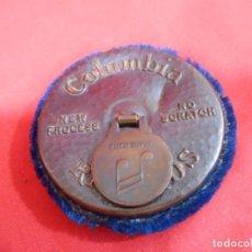 Gramófonos y gramolas: ANTIGUO CEPILLO LIMPIA DISCOS PARA GRAMOFONOS DE LA MARCA AMERICANA COLUMBIA RECORDS. Lote 128519987