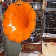 Gramófonos y gramolas: GRAMOFONO ORIGINAL FUNCIONANDO. Lote 132083534