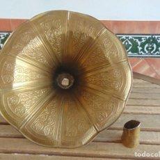 Gramofones e jukeboxes: TROMPETA BOCINA PARA GRAMOLA O GRAMOFONO REPUJADA. Lote 132400670