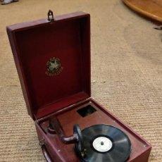 Gramófonos y gramolas: ANTIGUO GRAMÓFONO DE MALETA MARCA TRIUMPHON. Lote 132507622