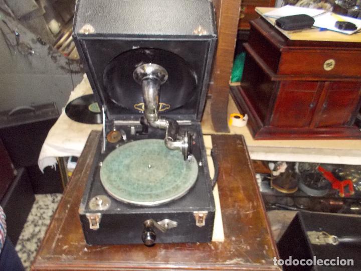 GRAMOLA ODEON FUNCIONANDO (Radios, Gramófonos, Grabadoras y Otros - Gramófonos y Gramolas)