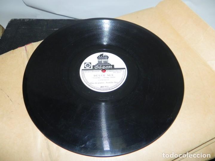 Gramófonos y gramolas: Antiguo gramofono de maleta Decca, Inglatera, junto con 10 discos de pizarra en álbum (ver fotografi - Foto 20 - 132976478