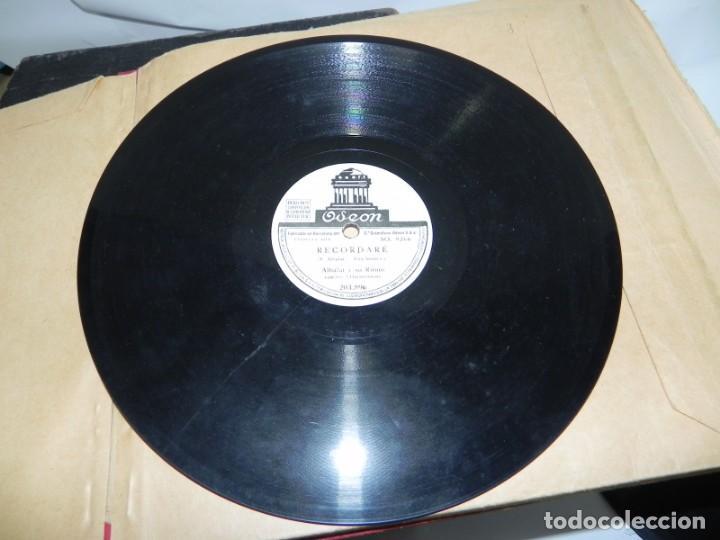 Gramófonos y gramolas: Antiguo gramofono de maleta Decca, Inglatera, junto con 10 discos de pizarra en álbum (ver fotografi - Foto 24 - 132976478