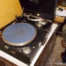 Gramófonos y gramolas: GRAMOLA FUNCIONANDO. Lote 133754794