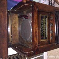 Gramófonos y gramolas: RADIOGRAMOLA DE VÁLVULAS AÑO 1934 FUNCIONANDO RADIO Y GRAMOLA. Lote 130584738