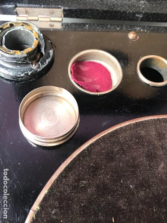 Gramófonos y gramolas: Magnifico gramofono de maleta en perfecto funcionamiento y disco de pizarra de regalo - Foto 12 - 135541050