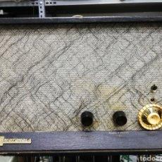 Gramófonos y gramolas: TOCADISCOS MALETA MOTOROLA. GRANDE. NO FUNCIONA.VER ÚLTIMAS FOTOS.. Lote 135657070