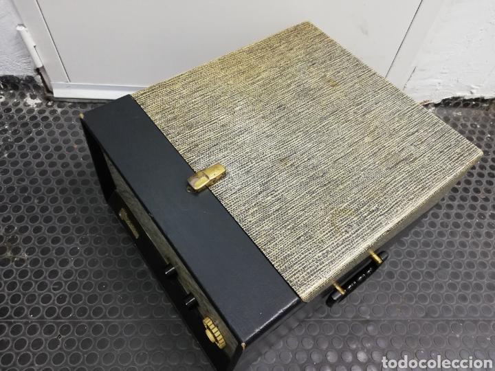 Gramófonos y gramolas: Tocadiscos maleta Motorola. Grande. No funciona.ver últimas fotos. - Foto 6 - 135657070