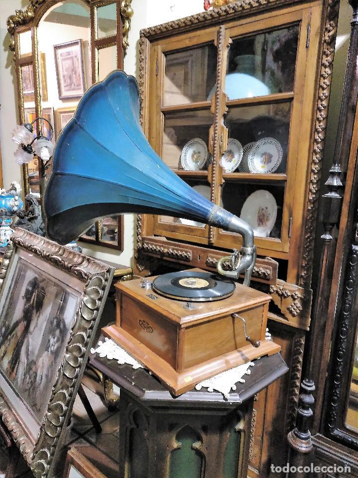 Gramófonos y gramolas: IMPRESIONANTE GRAMOLA DE SALON TROMPA AZUL PERFECTO FUNCIONAMIENTO - Foto 2 - 136213554